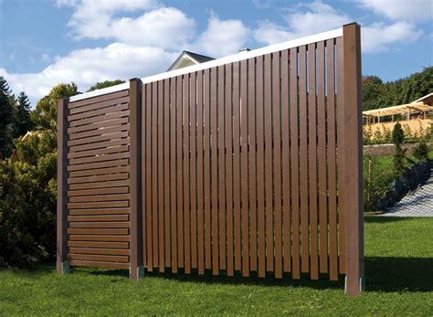 barriere in legno per giardino frangivento grigliati e frangivento da giardino come