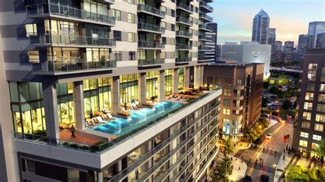 Downtown Dallas Apartments Victory Park Homebuilder Lennar Affiliate Tops Out On 23 Story Tower In