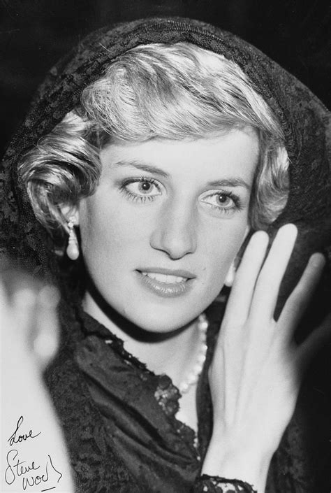 Diana White 15 black and white pictures of princess diana pictures