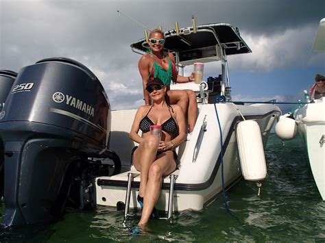 boat shows near me this weekend post the best picture of your lady on your boat page 452