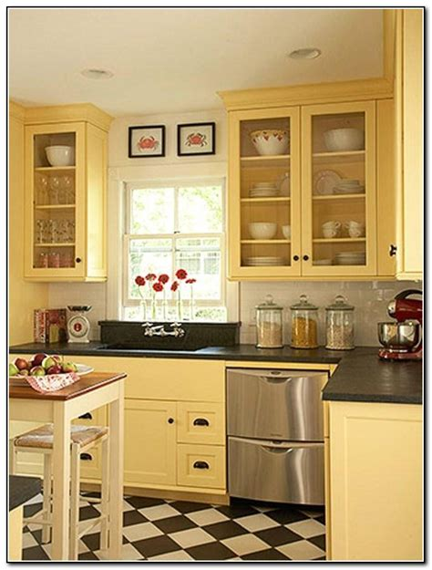 cream painted kitchen cabinets kitchen backsplash ideas with cream cabinets kitchen