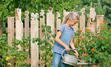 Frühlingsdeko Im Garten by Gartenz 228 Une Aus Holz Selbstgemacht Bvrao