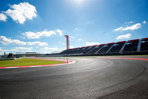 track racing race on the track of circuit of the americas for 50 000 per day extravaganzi