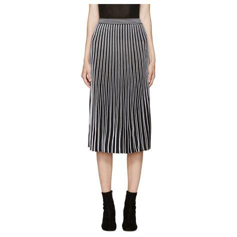 s black skirt