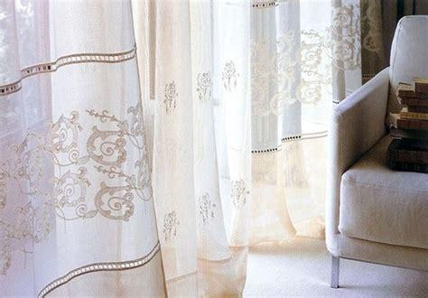 tende in lino ricamate modelli di tende in lino scelta tendaggi tende in lino