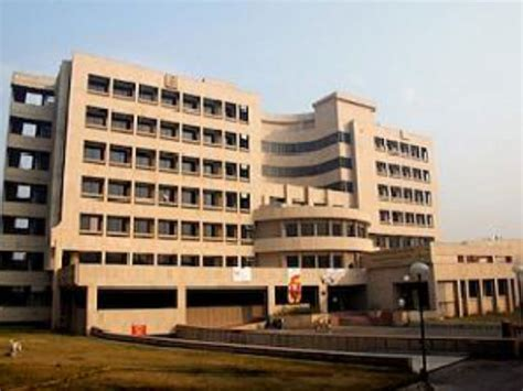 Part Time Mba For Engineers by Iit Delhi Invites Applications For Its Part Time Mba