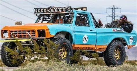 diesel brothers reviews diesel brothers in his new truck in the mint 400