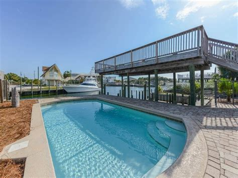 10 bedroom beach vacation rentals 5 bedroom home sleeps 10 perfect for your 2018 family beach vacation destin florida