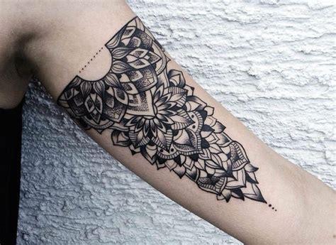 tattoo arm muster tattoo am oberarm 50 ideen f 252 r m 228 nner und frauen