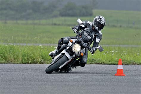 Motorrad Fahren Kurven Angst vivalamopped motorrad aber sicher