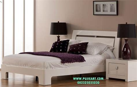 Tempat Tidur Cat Duco tempat tidur minimalis cat duco tempat tidur minimalis tempat tidur pujieart furniture jepara