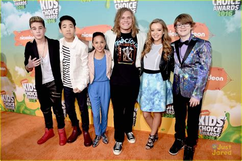 cast of rock breanna yde school of rock cast rock out choice awards 2016 orange carpet