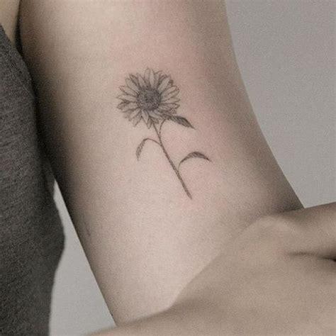 imagenes de tatuajes de girasoles hermosos tatuajes de girasoles para mujeres tatuajes
