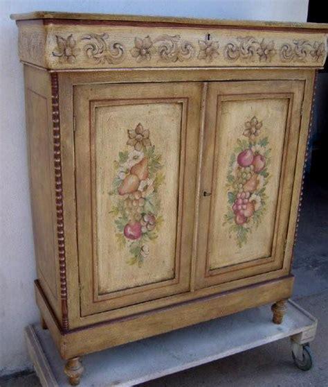 credenze decorate mobili credenze country idee di design nella vostra casa