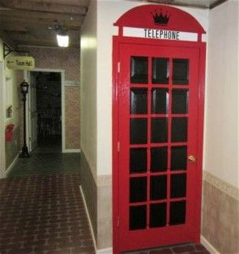 how to paint a phone box on a door i m thinking about doing this to my s bedroom