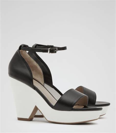 reiss platform wedge sandals in black black white