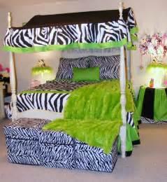 zebra bedroom how to incorporate zebra print into your bedroom s d 233 cor