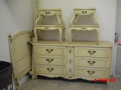 Vintage French Provincial Bedroom Furniture | handpainted furniture blog shabby chic vintage painted