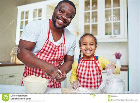 Zu Hause Kochen Stockfoto Bild 63438304