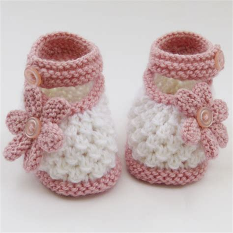 knitted baby shoes knitted baby shoes booties folksy