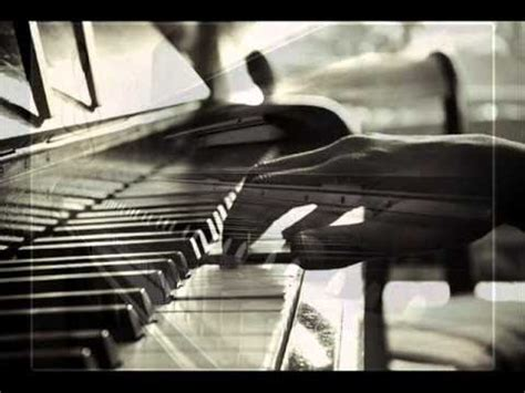 imagenes artisticas tristes sad emotional piano song belle triste musique au piano