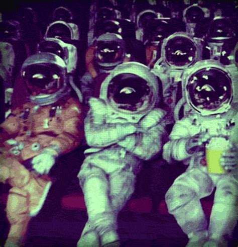 imagenes hipster alien hipster astronaut gif find share on giphy