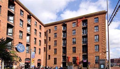 premier inn liverpool premier inn liverpool city centre albert dock hotels