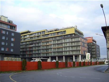 Celov Z ljubljanski projekti stanovanja v soseski celov紂ki dvori