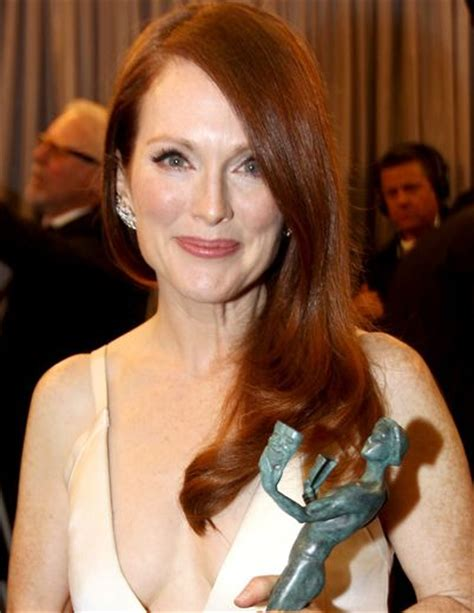 julianne moore real hair color what is julianne moore hair color and red hair color on pinterest