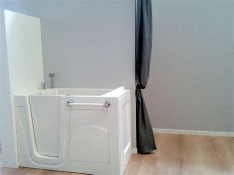 mezza vasca mezza vasca con seduta idee creative di interni e mobili