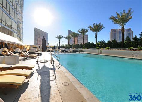 trump hotel las vegas pool