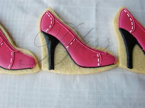 high heel cookies high heel shoe cookie decorating cakes