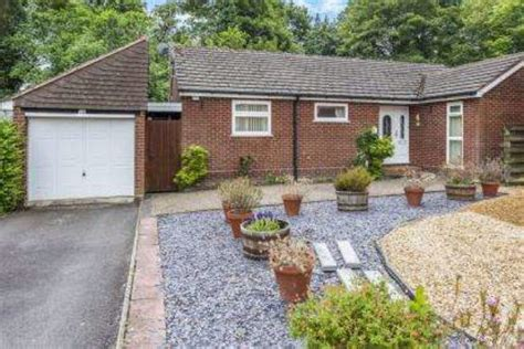 bungalows for sale in worcestershire mallard avenue kidderminster 3 bedroom bungalow for sale dy10