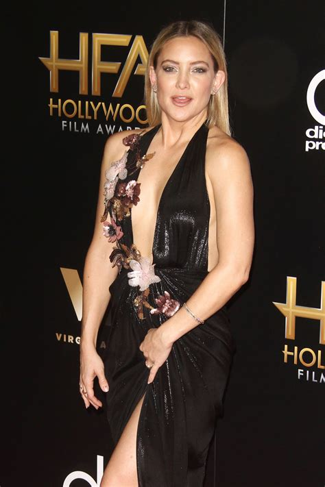 film awards red carpet 2016 kate hudson in marchesa at the 2016 hollywood film awards