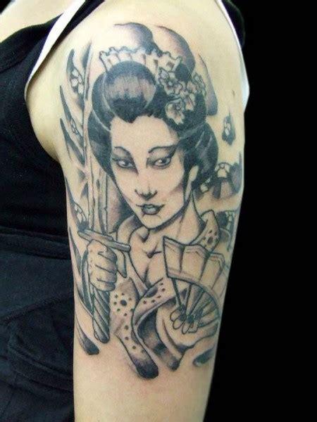 tattoo volti geisha tatuaje de una geisha armada con una espada tatuajes de