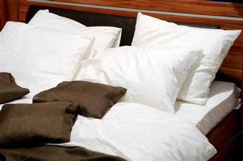 nice pillows for bed nice pillows on a contemporary bed beauty fashion
