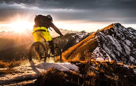 Suspension 3 Lumières 1874 by Mountain Bike Road Wallpapers