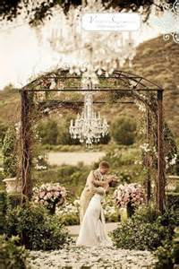 Outdoor Wine Barrel Chandelier Lustres De Mariage Une D 233 Coration Chic Vintage