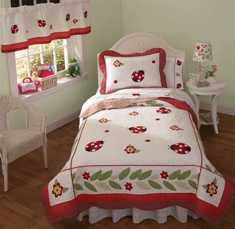 lovely twin bedroom sets for girls bedroom little girl red and white ladybug bedding set on the bed connected by