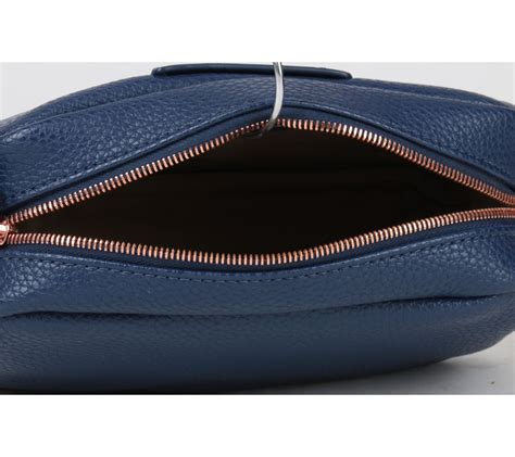 Tas Lacoste Sling Ombre Waterproof Leather lacoste blue leather sling bag