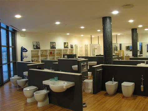 showroom arredo bagno esposizione arredo bagno vasche idromassaggio vasche da