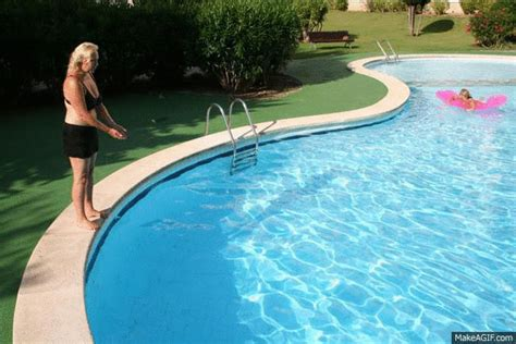 Piscine Gifi 239 by What Type Of Are You