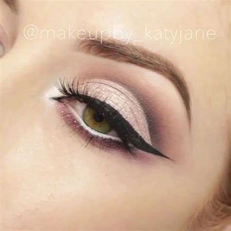 eyeshadow tutorial with spoon how a spoon can turn you into an instagram makeup pro or