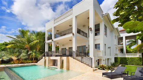 lebron james miami house lebron james met en vente sa villa de miami