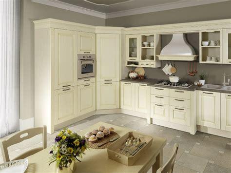Cucine Con Dispensa Ad Angolo by Cucina Classica Magnolia Ala Cucine Ad Angolo Cucina Mod