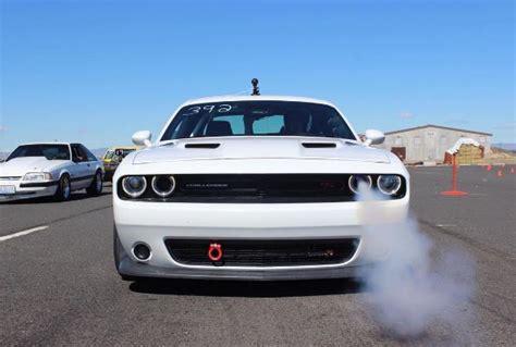 Dodge 1 4 Mile by World S Fastest Dodge Challenger Pack Sets 1 4 Mile