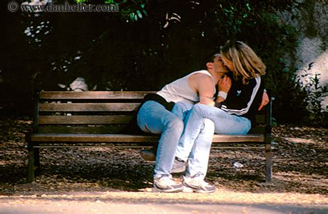 kissing bench donnt see me i know i am in public page 6 xossip