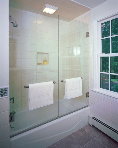 Bathtub With Shower Doors by Looking Tub Enclosures In Bathroom With