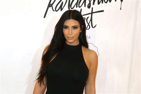 imagenes video kim kourtney kardashian disfrutando de las kim kardashian zeleb es