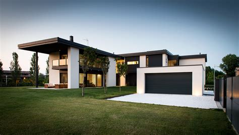 illuminare parma luce e vetro con secco sistemi per una villa residenziale